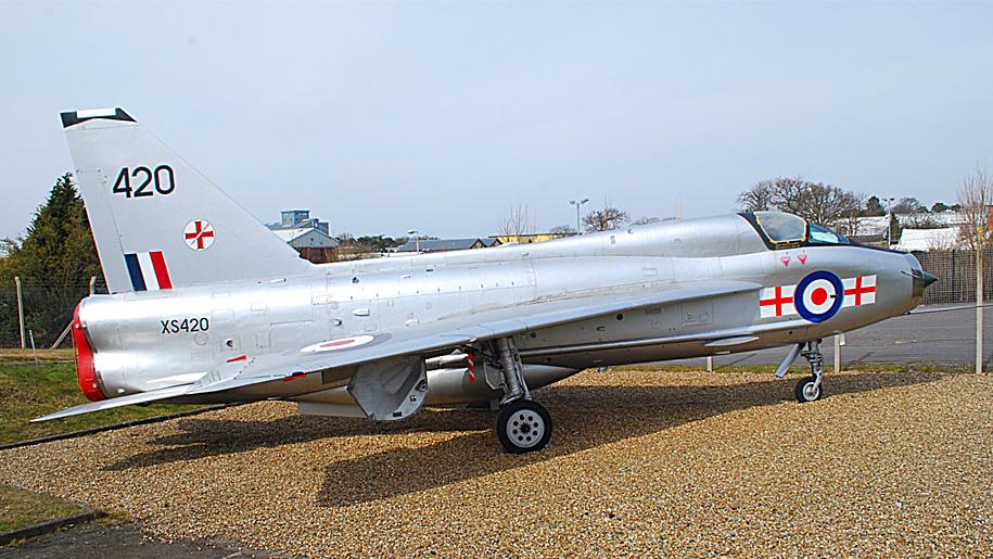 silver aeroplane
