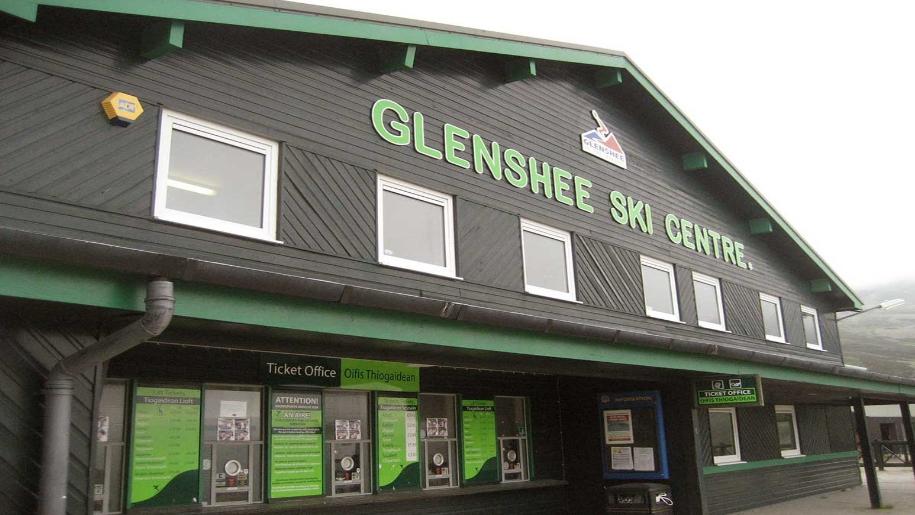 glenshee ski & snowboard centre entrance