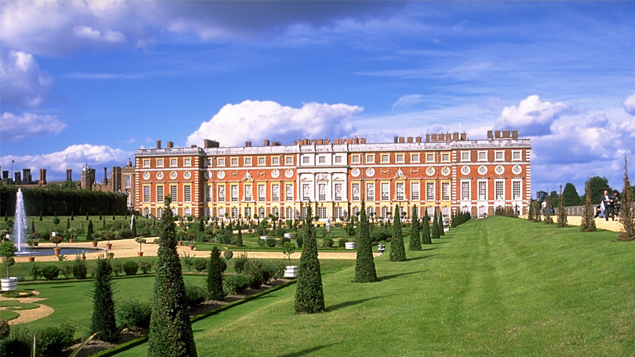 baroque palace at hampton court
