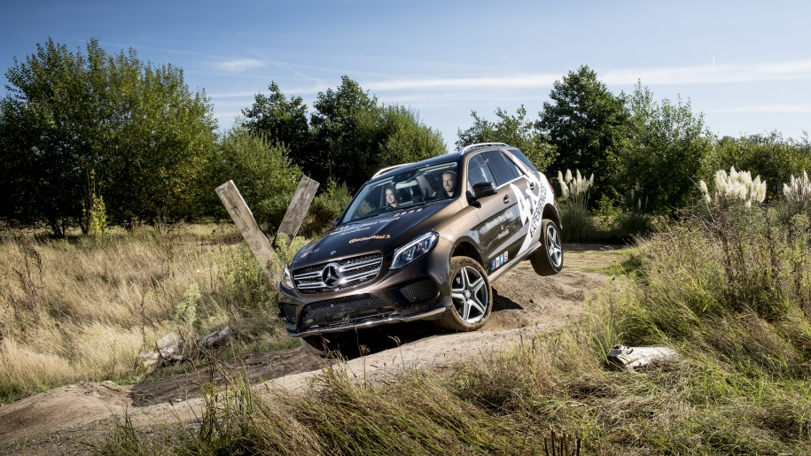 Mercedes Benz World off road landrover