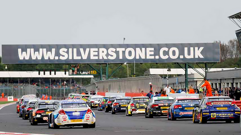race cars start line