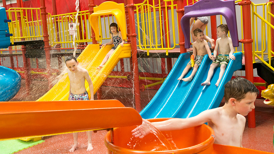 kids in splash zone