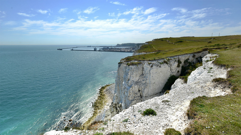 vie along the white cliffs to harbour