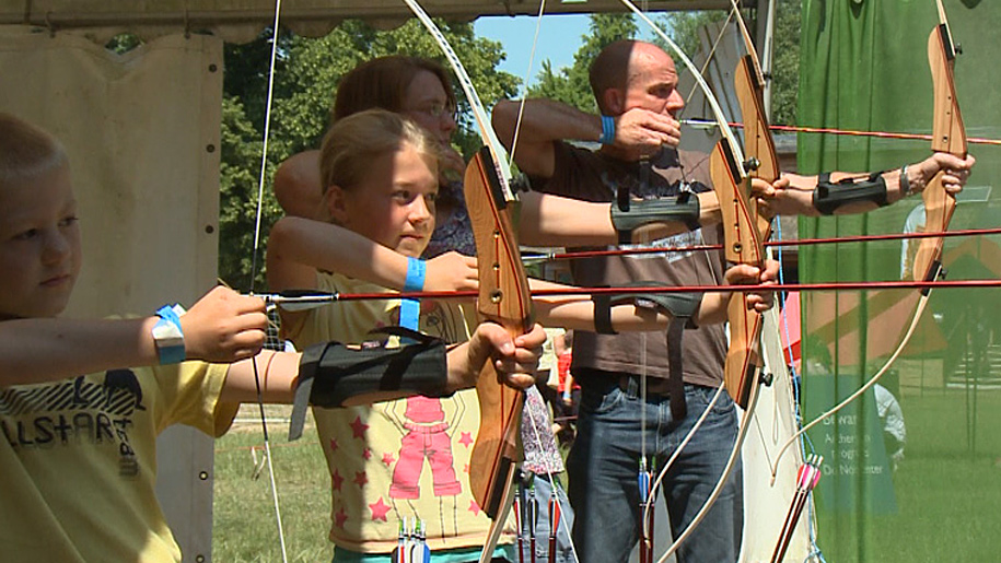 family learning archery