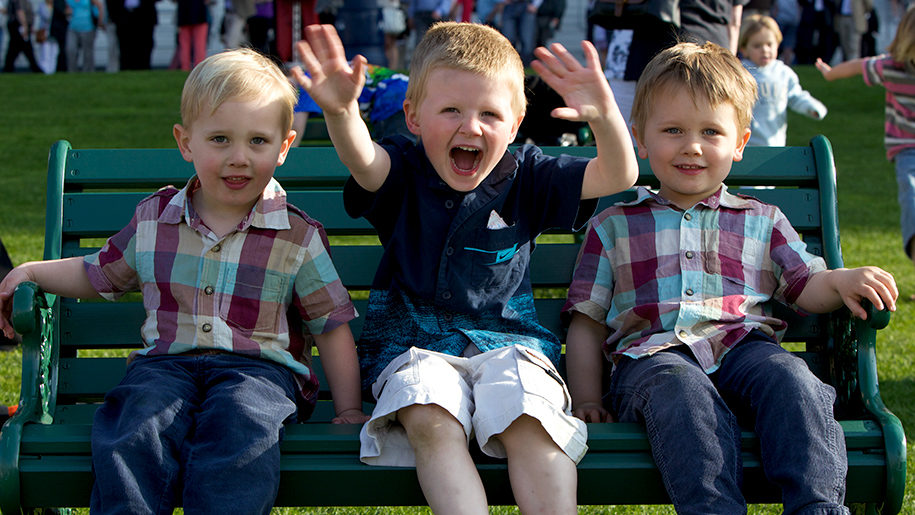 Ascot Racecourse kids on bench