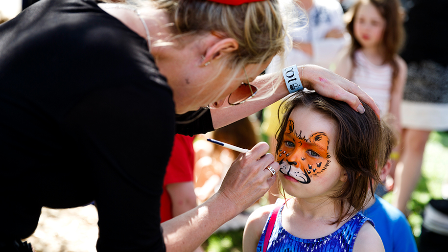 Ascot Racecourse face painting