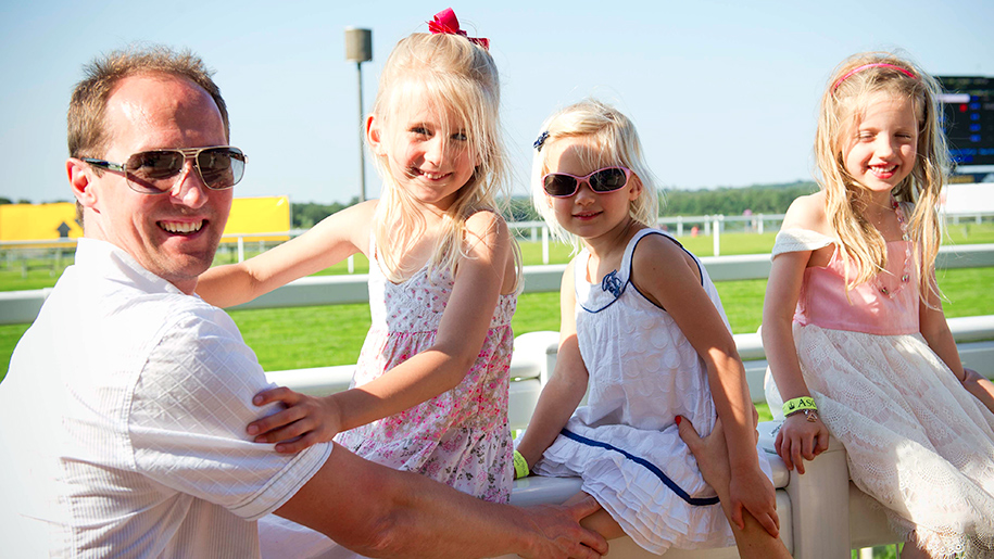 Ascot Racecourse girls with dad