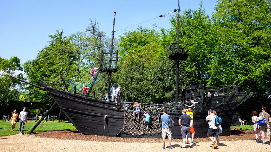 Bowood House and Gardens climbing ship