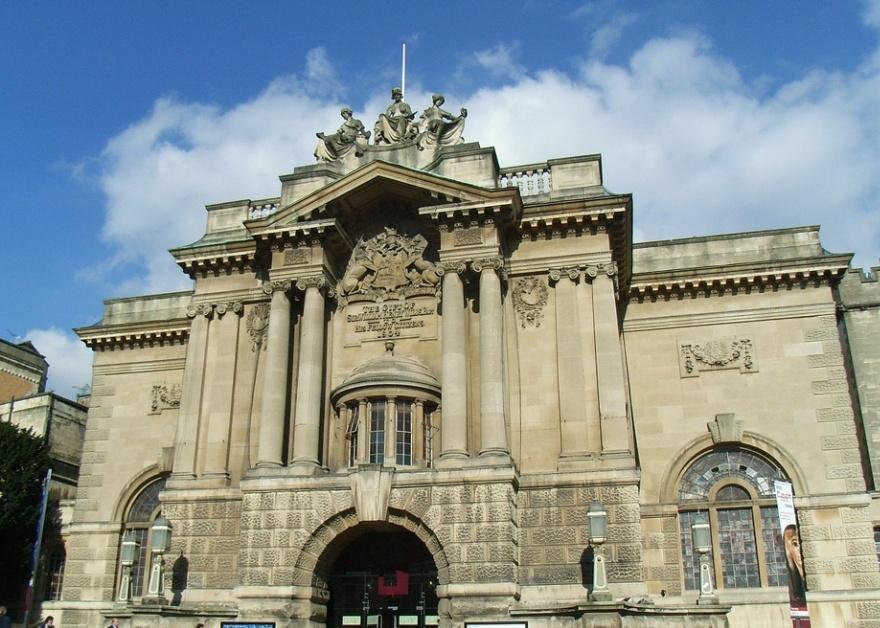 bristol museum art gallery exterior