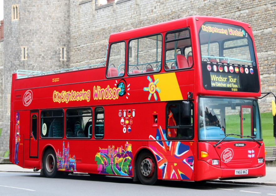double decker sightseeing bus