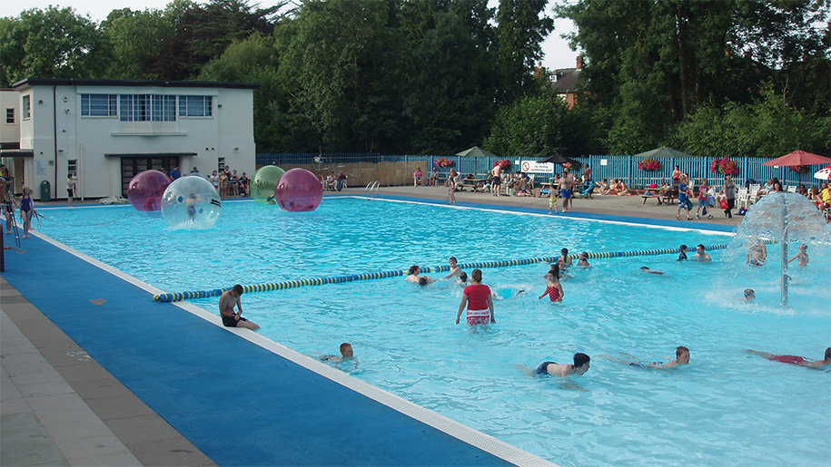 Droitwich Spa Lido Places To Go Lets Go With The Children