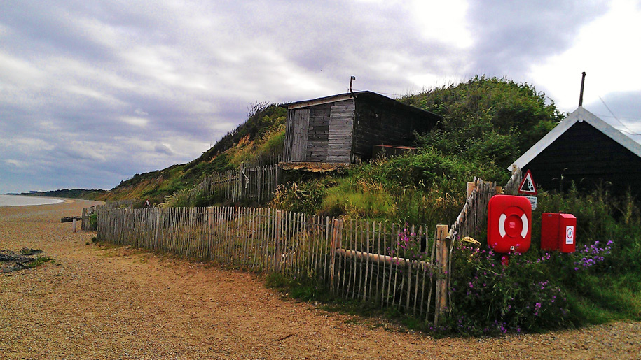 dunwich beach hut