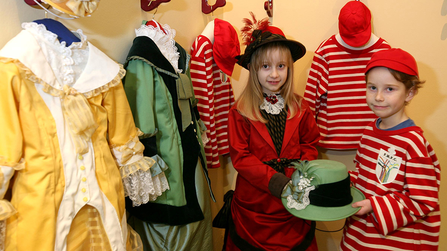 Children dressing up at Fashion Museum