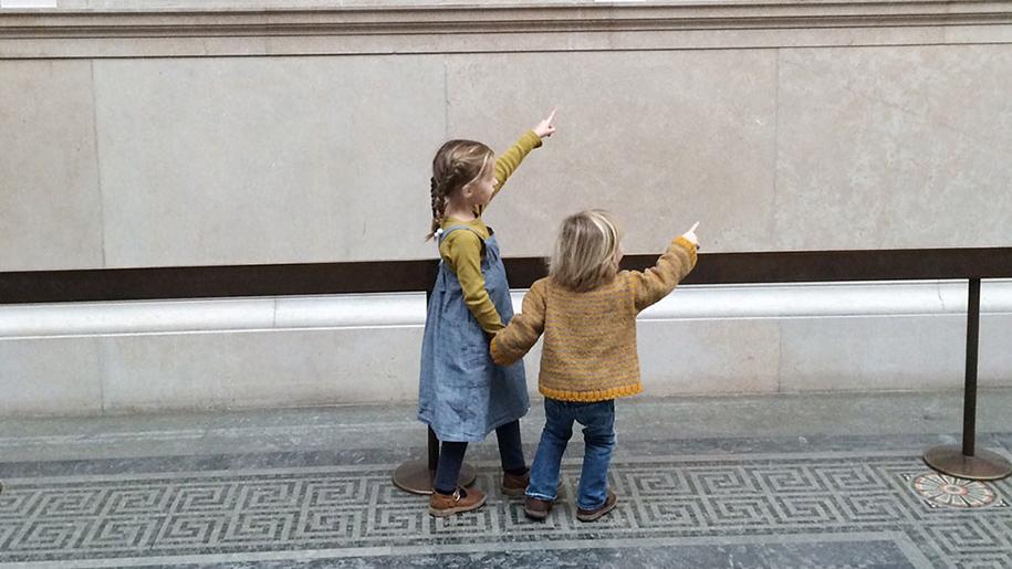 girls in museum