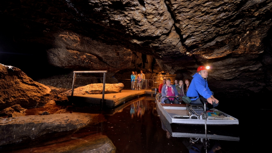boat trip in cave