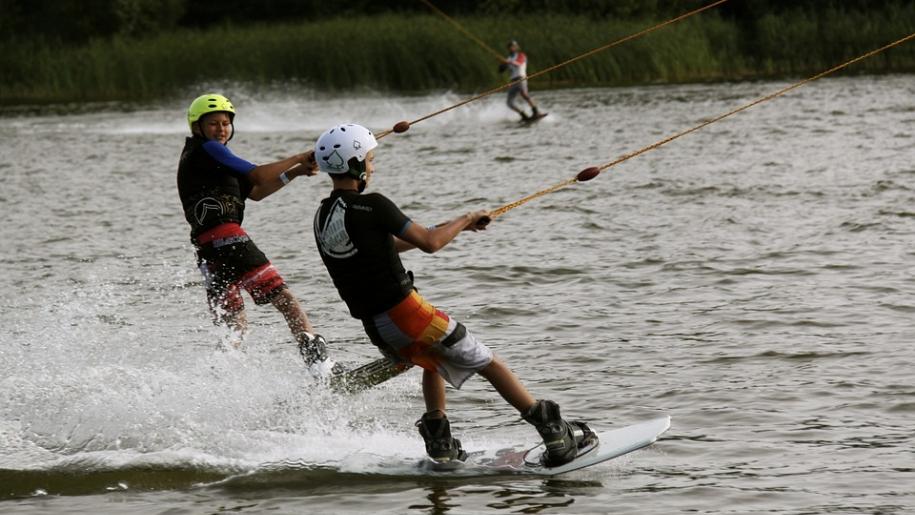 boys water skiing