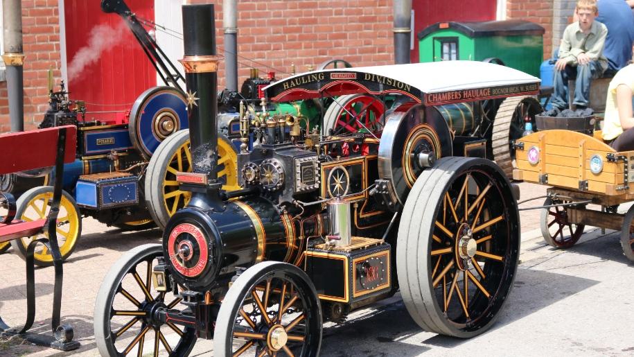 vintage train at Moors Valley Railway