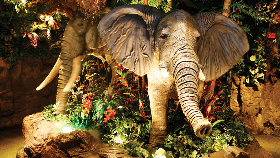 Rainforest Cafe elephants