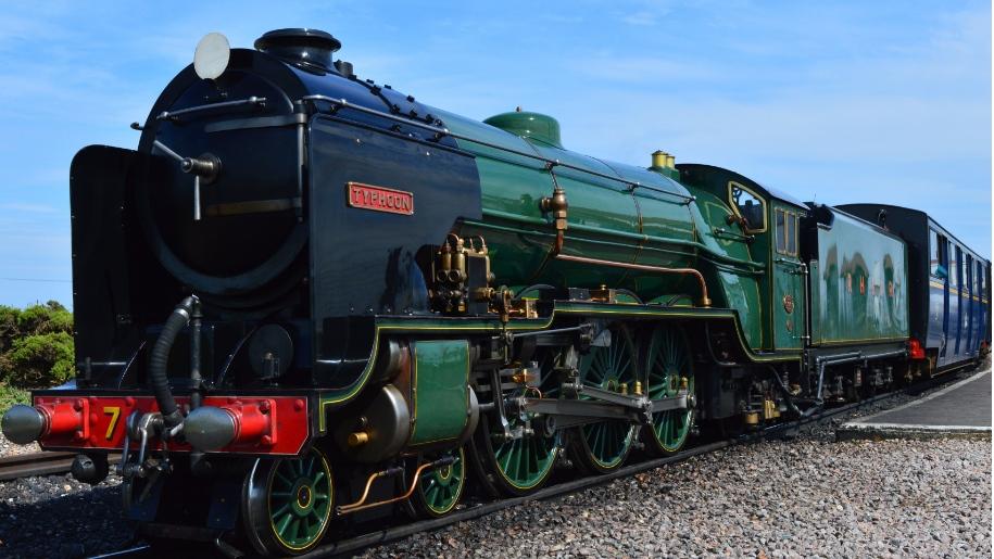 Romney, Hythe, Dymchurch railway green train