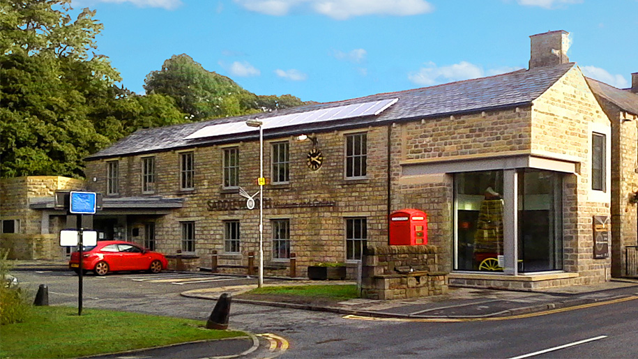 saddleworth museum art gallery