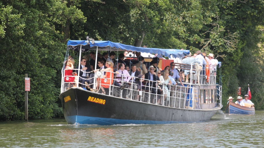 families on river boat
