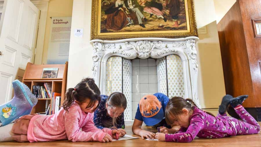 kids working in gallery