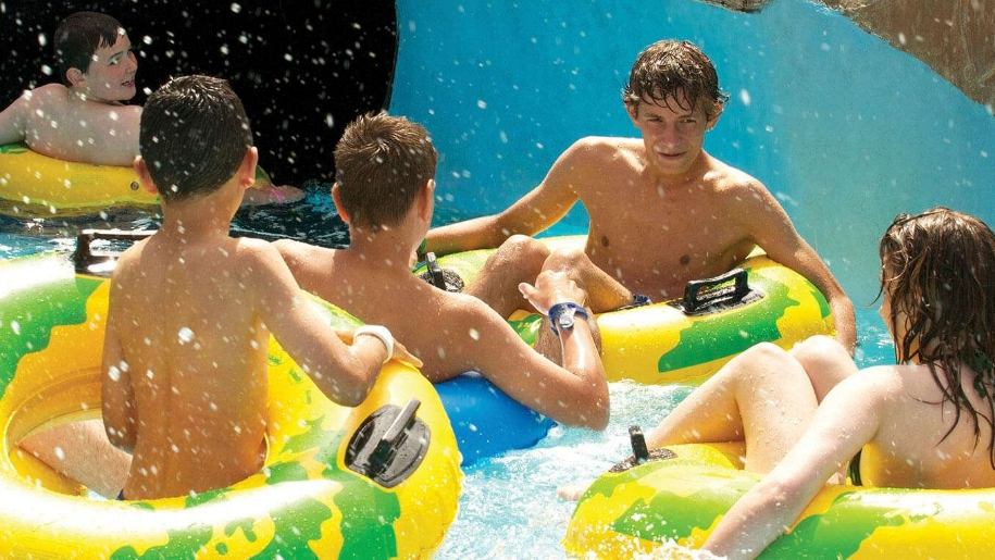kids in water park