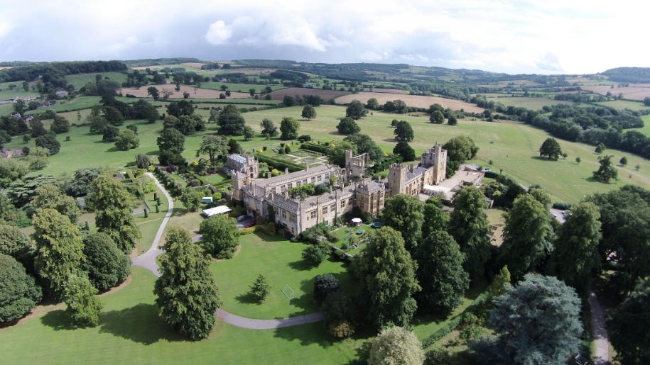 aerial view of sudeley castle