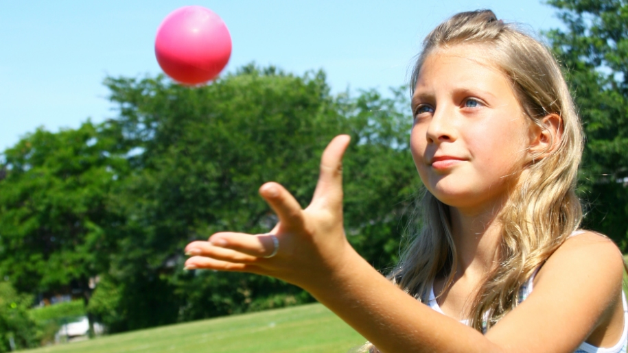 Super Camps child juggling