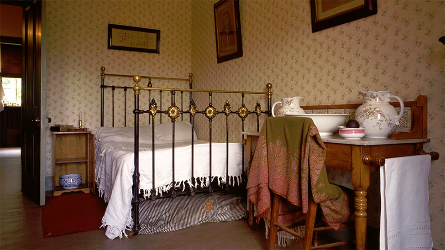 tenement house bedroom
