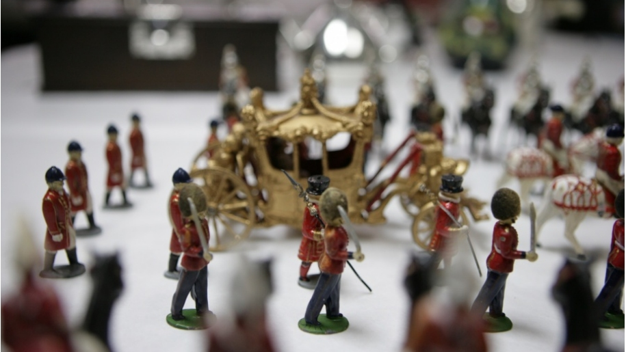 miniature soldiers