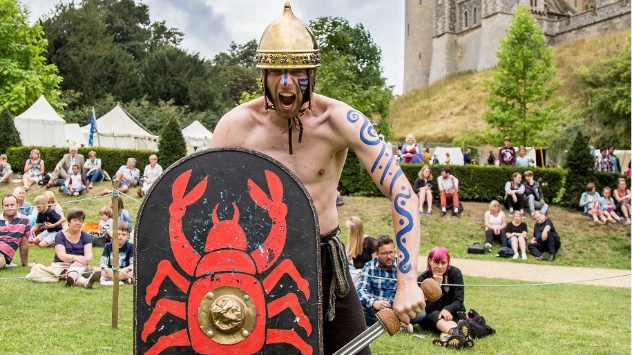 arundel castle medieval dress up