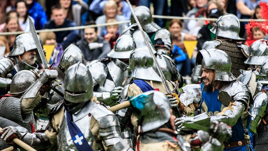 arundel castle knights battling