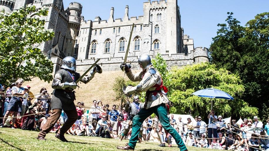 arundel castle knights fighting