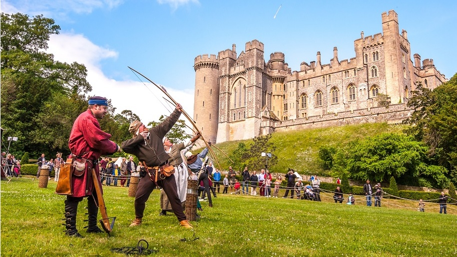 arundel castle archery display