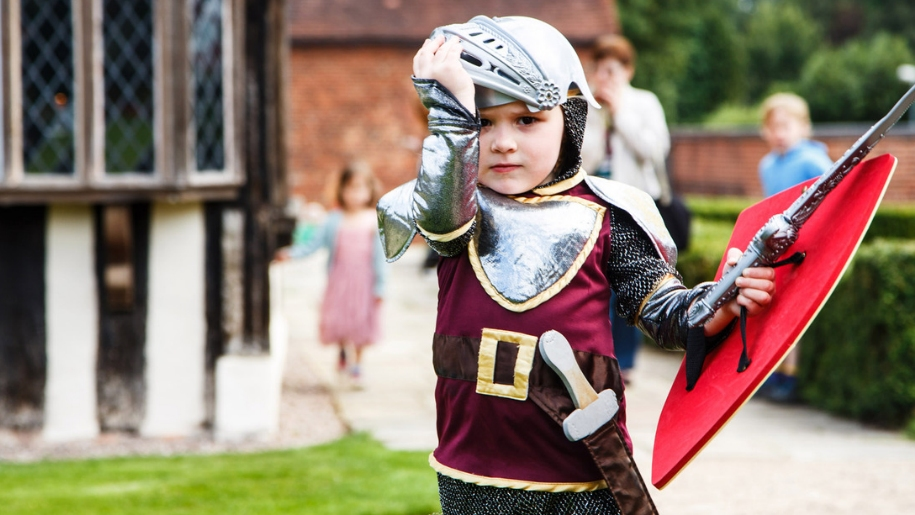 child dressed up in medieval clothes