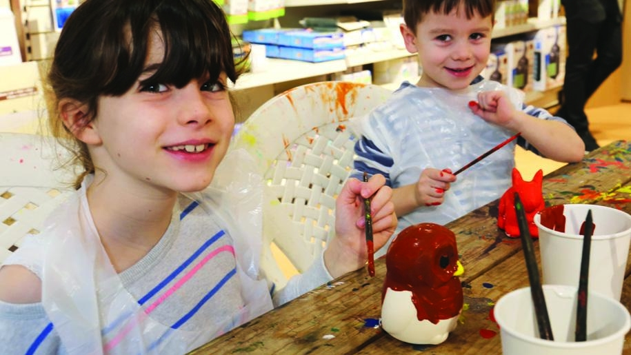 kids painting pots