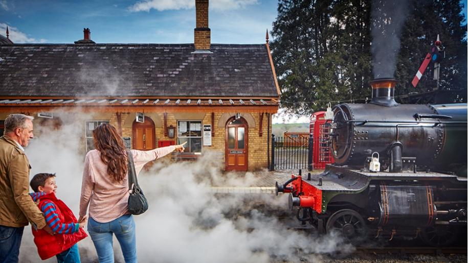 severn railway family steam train