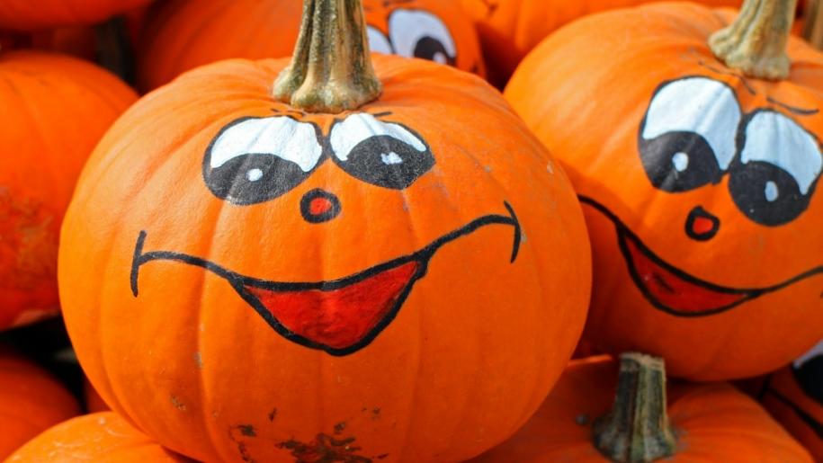 halloween pumpkins smile