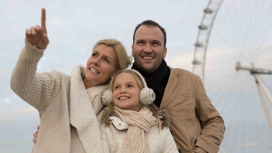 family looking at London sites with City Cruises
