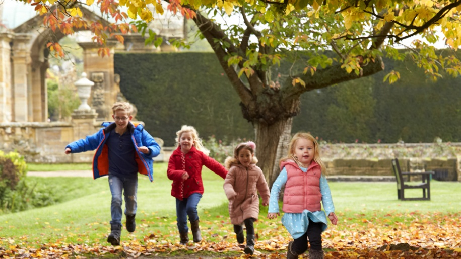 children running in autumn