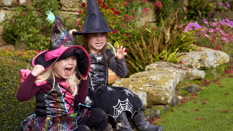 girls dressed at witches