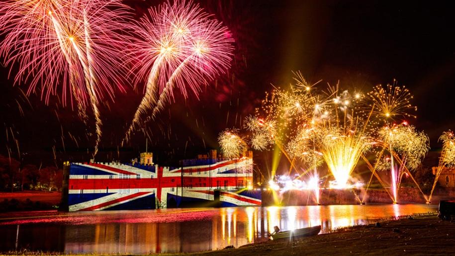 fireworks at leeds castle