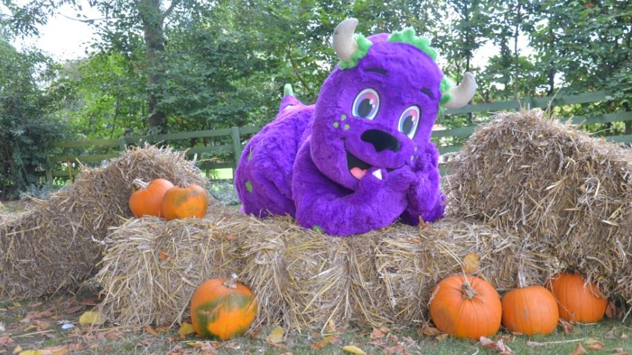 Twinlakes halloween mascot
