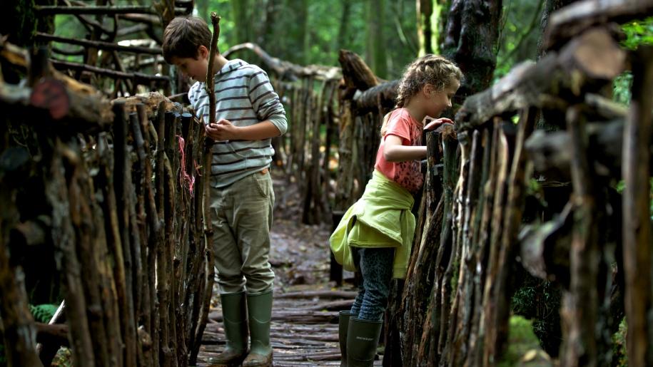 kids on bridge