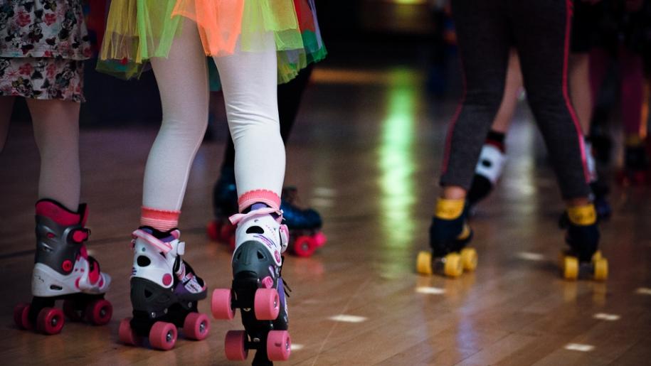 girl rollerskate