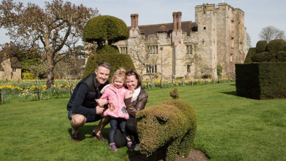 family at hever castle