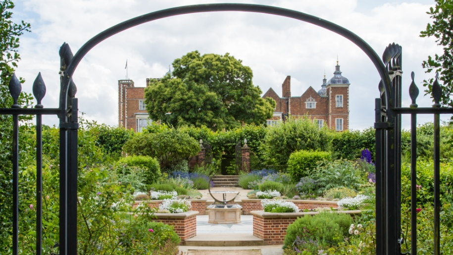 hatfield house front