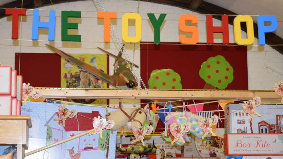 the toy shop hatfield house