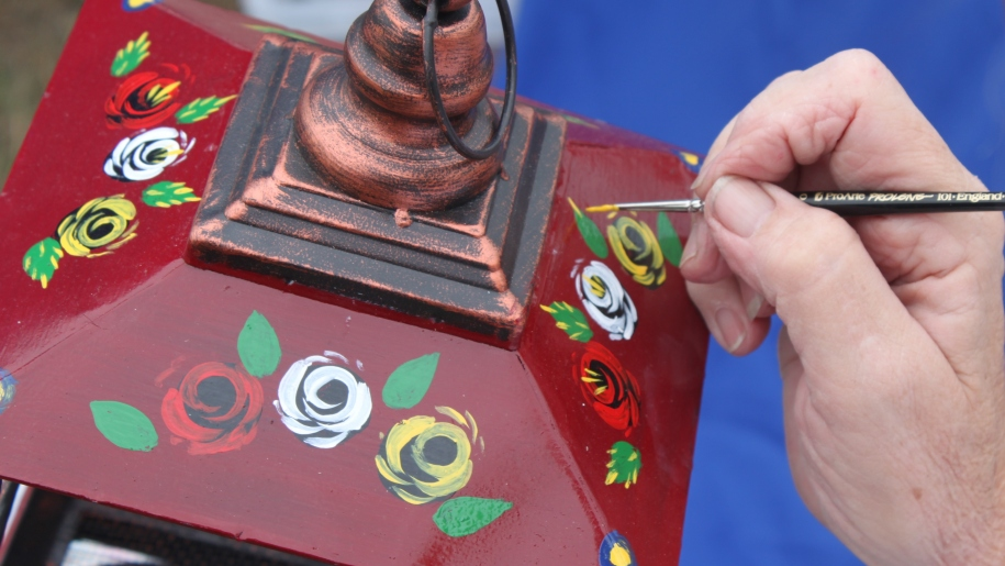 hand painting lantern